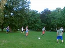 Fußball auf dem Uni-Campus
