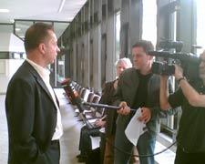 Hakenkreuz-Prozess: Verteidiger im N24-Interview