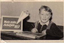 Papa bei der Einschulung 1957
